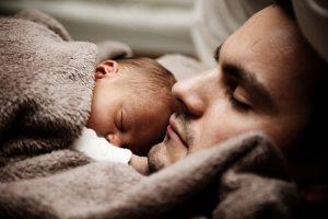 """ביהמ""""ש העניק לאב משמורת מלאה על בנו עקב מעבר האם למרכז"""